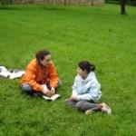 Un bon chef discute avec les jeunes